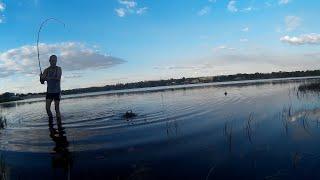 Вечерняя вылазка на рыбалку поехал на внедорожнике дорога тяжелая все может быть.