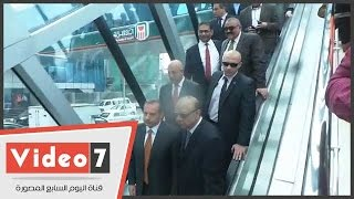 محافظ القاهرة يفتتح كوبرى مشاة البنك الأهلى بكورنيش النيل