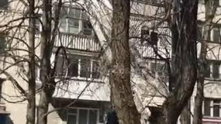 В Ставрополе спасли девочку, висевшую на балконе 4 этажа