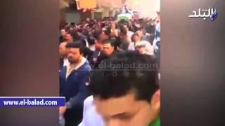 بالفيديو والصور.. الآلاف من أهالي المنزلة يشيعون جثمان شهيد معسكر رفح