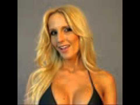 Bűti Bettina - Playmate of the Year 2012 letöltés