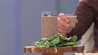 Celebrity Nutritionist Kelly LeVeque Shares Her 'Blueberry Muffin Smoothie' Recipe