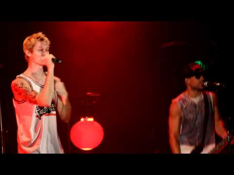 Pepper - Give It Up (Live - House of Blues Anaheim) 2011 HD