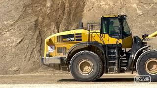 视频仍适用于小松WA500轮式装载机在高水平的Wingra Stone公司生产