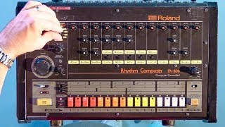 Video The Roland TR-808 In Action download MP3, 3GP, MP4, WEBM, AVI, FLV Oktober 2018