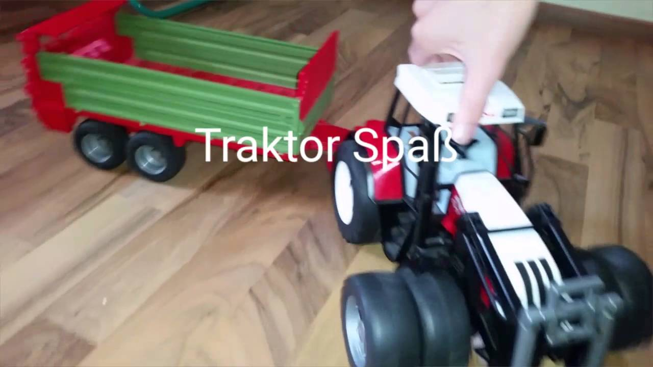traktor spass mit kleinkinder youtube. Black Bedroom Furniture Sets. Home Design Ideas