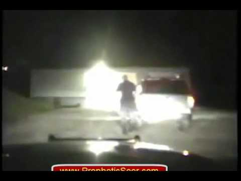 Cop Goes Insane On Driver For Refusing Search Without A Warrant