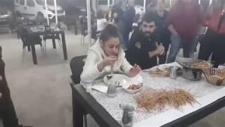 Ceren Yılmaz 315 Çöp Şiş Yiyerek Rekor Kırdı 10.000 tl Para KAZANDI