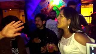 Baixar Rock en vivo Noches cusqueñas en el Papacho Bar Karaoke Achachau & La Vendeta V