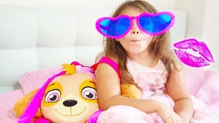 Ali play with her sister Dress Up and Make Up,  Funny video for Kids