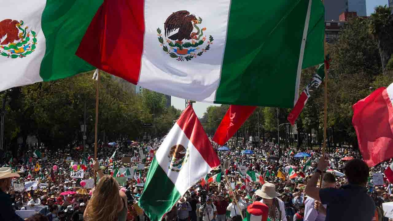 Mexicans hold massive anti-Trump protests around the ...