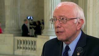 Poll: Bernie Sanders closes in on Hillary Clinton