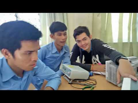 Check Noise Frequency With Spectrum Analyzer In Lab Activity Photos Slide - Faculty of Engineering