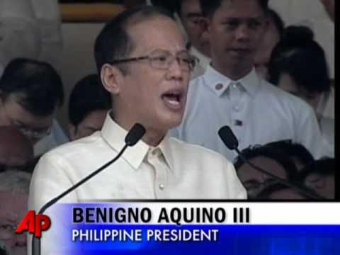 Benigno Aquino III Takes Oath in Philippines