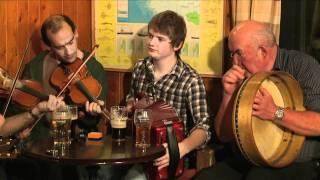 Traditional Irish Music from LiveTrad.com: Inishbofin Set Dancing & Trad Music Weekend Clip 1