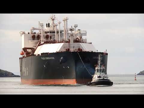 LNG tanker FLEX ENDEAVOUR arrives in Ferrol Bay [4K]