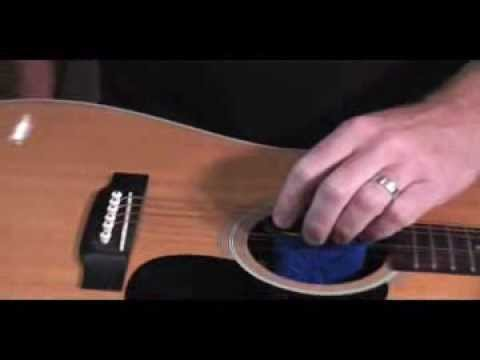 How to safely humidify an acoustic guitar by Music Nomad