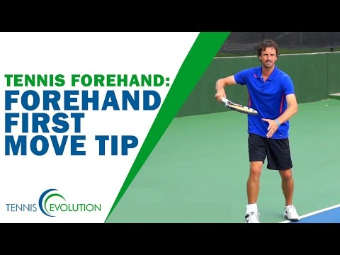 TENNIS FOREHAND TIP | A First Move Tip On The Tennis Forehand