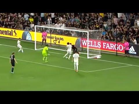 Carlos Vela scores an OUTRAGEOUS solo goal