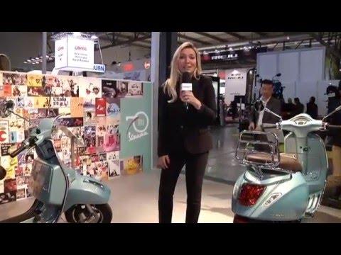 Savina Confaloni - Stand Vespa Eicma 2015