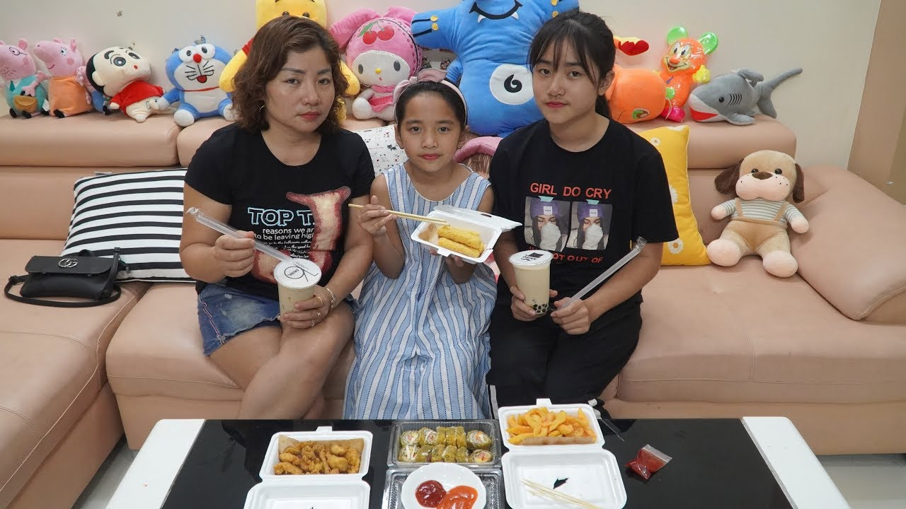 Nghỉ Lễ 30.4 Ba Mẹ Con Ở Nhà Ship Đồ Ăn : Gà Chiên Phô Mai Que Kimbap Khoai Tây và Trà Sữa Nướng