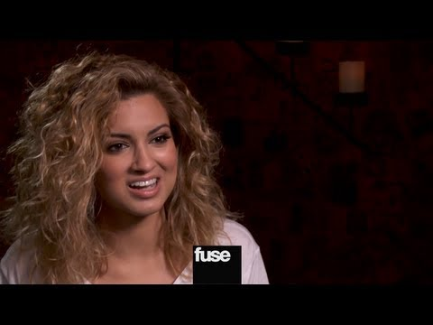 Tori Kelly on