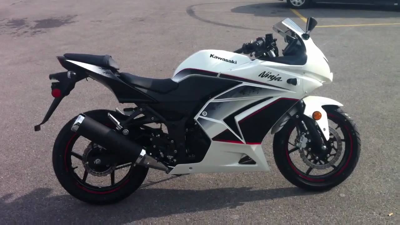 2011 Kawasaki Ninja 250 Pearl White/Black - YouTube