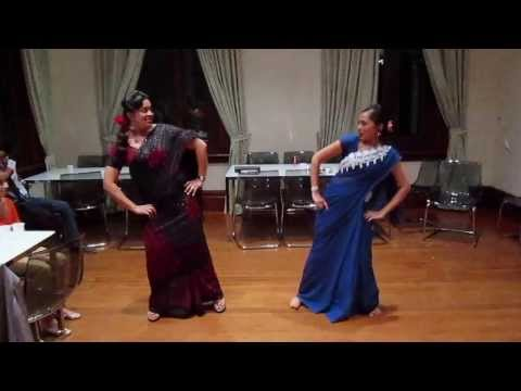 dance performance on old bollywood remix songs