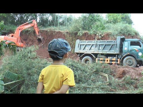 Máy xúc đất trên đồi cao, Earth excavator, Kênh Em Bé✔