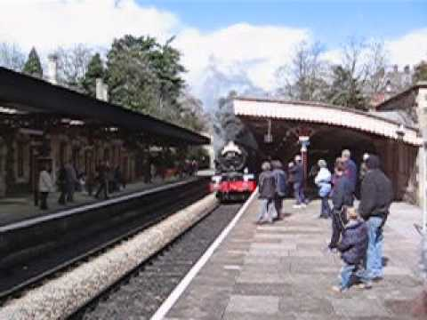GWR 6000 Class 6024 King Edward I racing through Great Malvern station - 9 April 2006