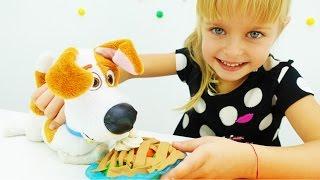 """Видео для детей. Плей До и Игрушки из мультфильмов: Макс из """"Тайной жизни домашних животных"""""""