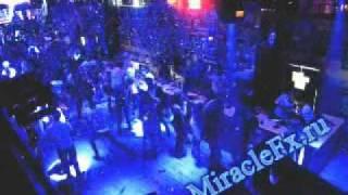 Конфетти машина на дискотеке в клубе.mp4(Конфетти машина MiracleFx на клубных вечеринках и дискотек., 2010-10-19T16:03:41.000Z)