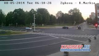 НОВОСТЬ ДНЯ:джип едет на красный в Кингисеппе.Видео ДТП с камеры. ПДД? KINGISEPP.RU
