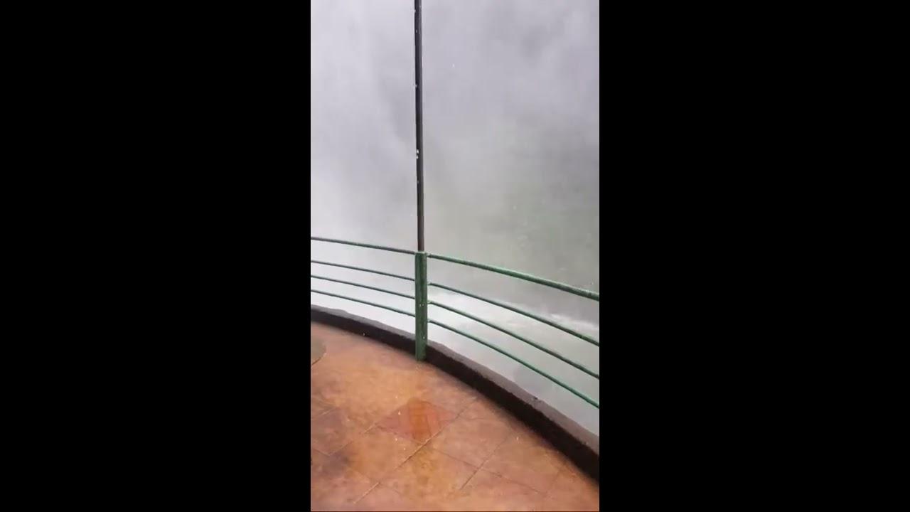 Mưa lớn, thác nước Dambri tung cột nước trắng xóa
