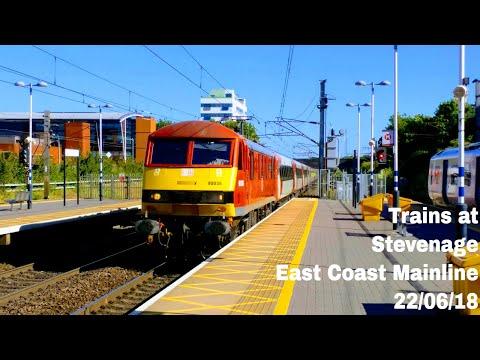 Evening Peak at Stevenage Railway Station, ECML   22/06/18