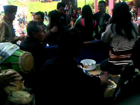 Video jaipong dangdut mega duta