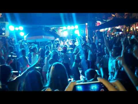 Night Life on Hanoi Old Quarter - Dance - (河內老城酒吧街) 1