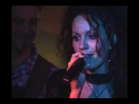 Soho London Pub 2010 04 03 Arnoczky Noemi Live concert