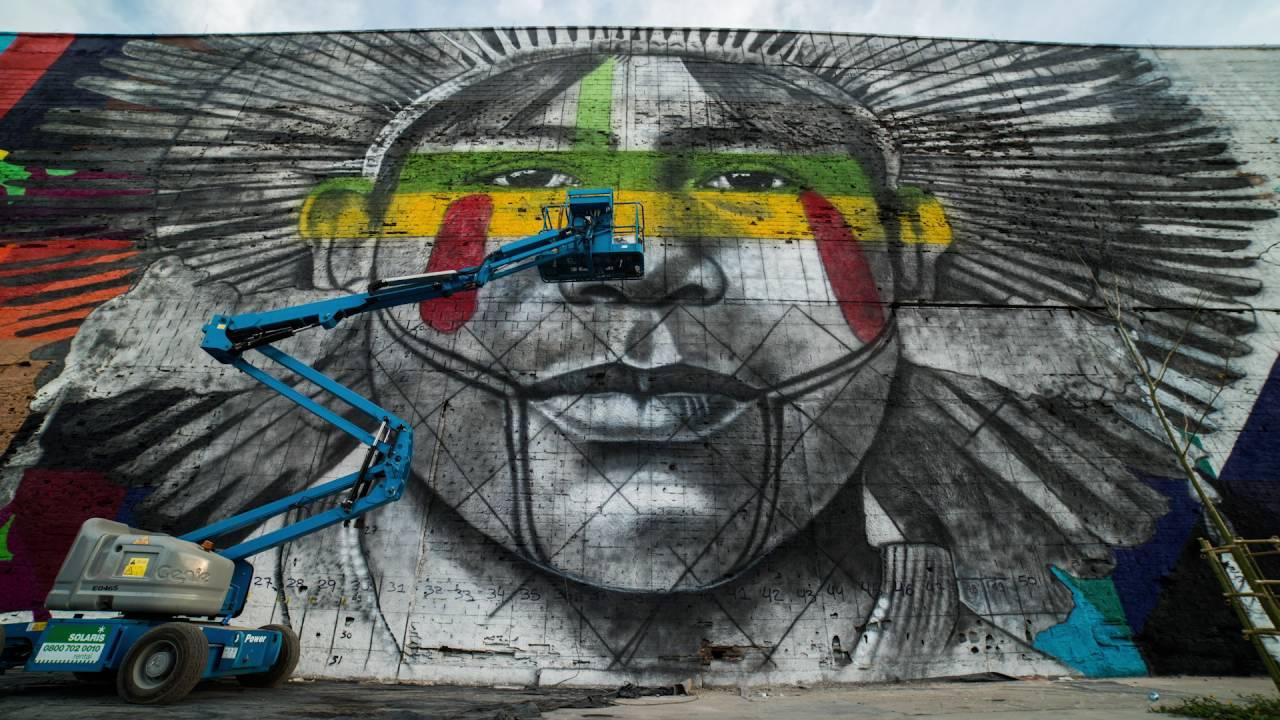 Timelapse shows impressive street art mural in rio de janeiro