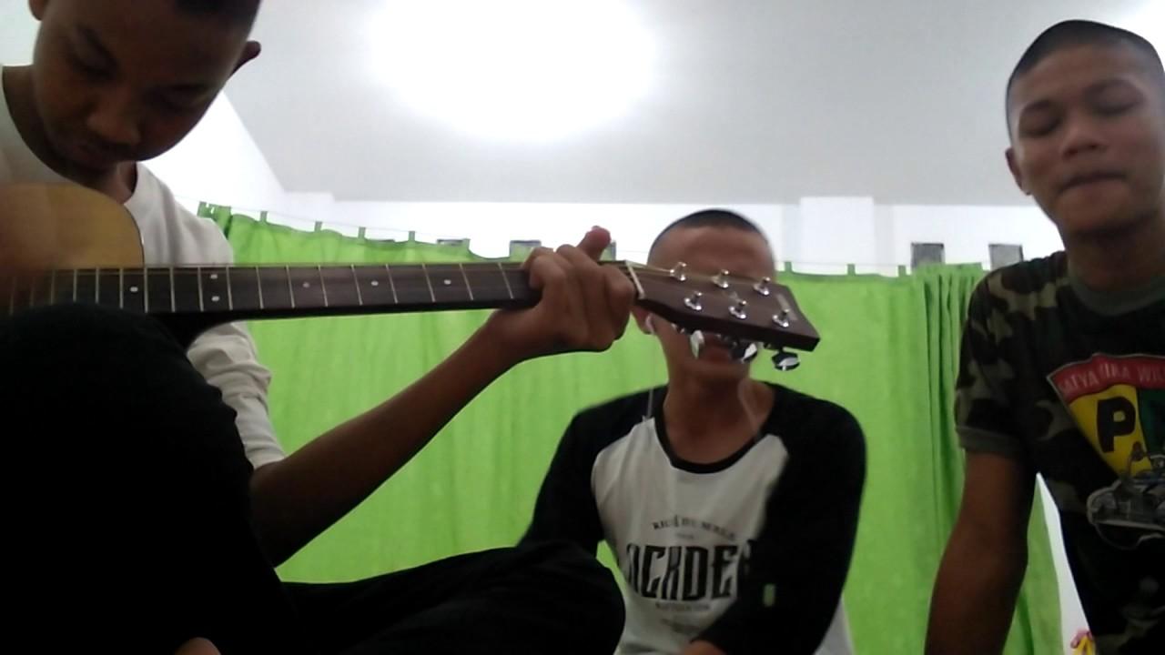 Mardua holong cover gitar with anak TMD - YouTube