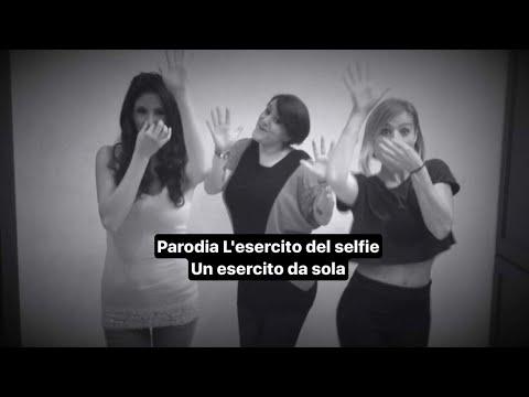 L'esercito del selfie parodia [Arisa-Fragola] Un esercito da sola