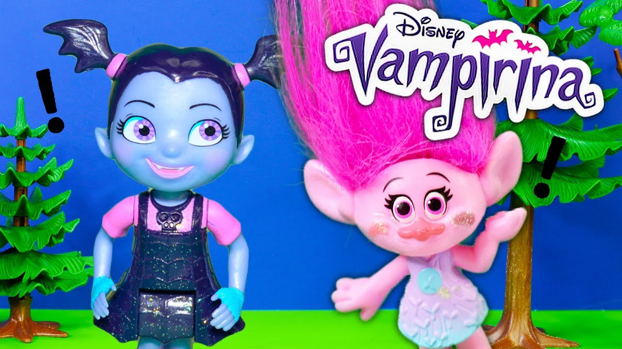 Troll S Poppy Searches For Surprises In Vampirina S Scare