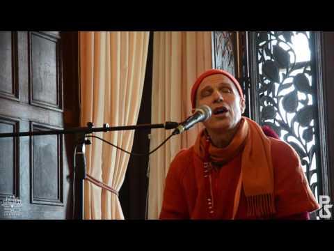 Jaya Radhe Jaya Krishna Jaya Vrindavan - His Holiness Sacinandana Swami