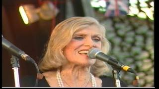 BERYL DAVIS SINGS WITH THE BILL BAKER BIG BAND AT TWINWOODS 2003