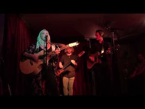 Emily Faye - Sucks To Be You @ Green Note - Belles & Gals - 17-09-2019-4k