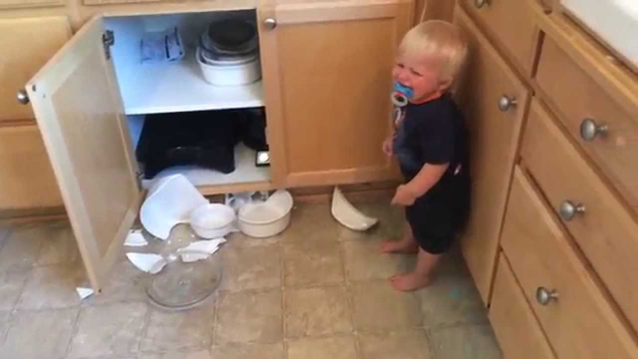 Broken dishes guilty baby youtube for 6 kitchen accidents