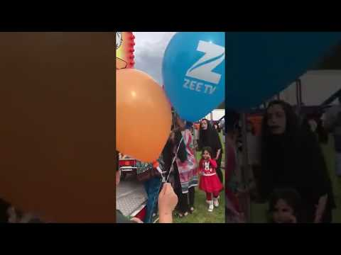 gilrs fighting in manchester mela 2017
