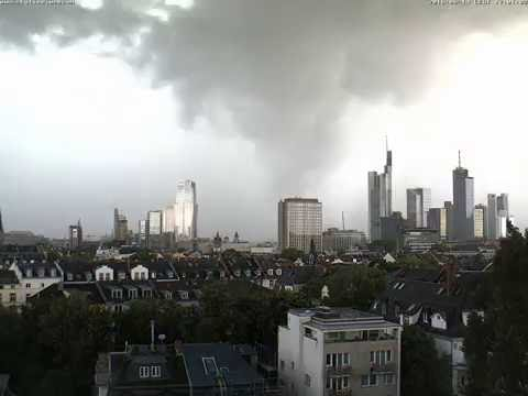 Gewitter über Frankfurt www.skyline.webcam