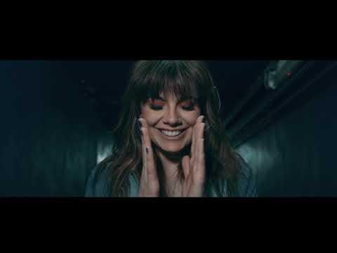 Natalie Perez - En las olas ft. Lisandro Aristimu�