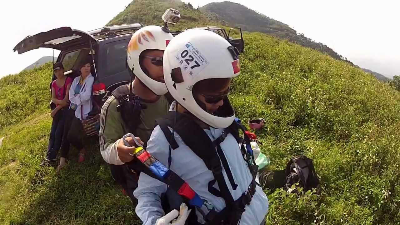 Bay đôi tại Đồi Bù Hanoi Paragliding